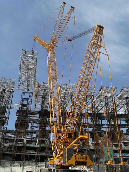 内蒙鄂尔多斯康巴什体育中心钢结构吊装
